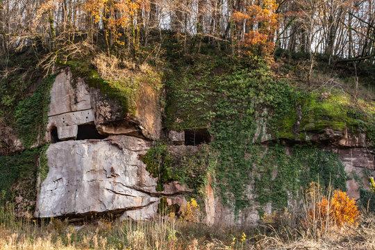 Donzenac (Corrèze, France) - Habitation troglodytique