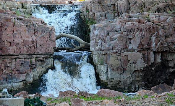 Sioux Falls provides scenic waterfalls in downtown