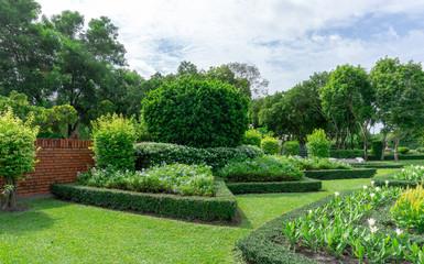 Keuken foto achterwand Tuin beautiful garden and good care landscape maintenance