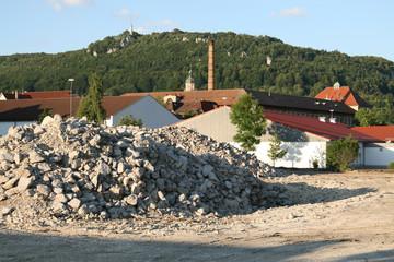 Baustelle im Zentrum in Albstadt-Ebingen mit Ausblick auf Schloßberg