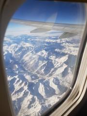 Fotobehang Zeilen Vista aérea de montañas nevadas. Alpes.