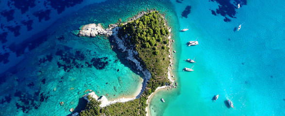 Photo sur Plexiglas Turquoise Aerial drone photo of tropical exotic destination island in Thailand with deep blue turquoise sea and beautiful landscape