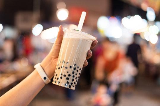 taiwanese bubble milk tea at night marketplace
