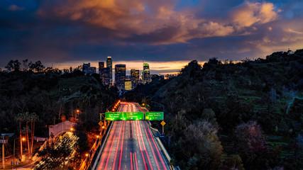 Fototapete - Los Angeles skyline freeways