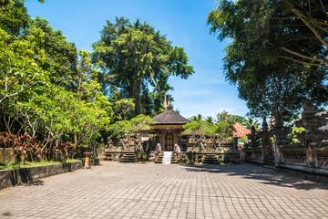 A beautiful view of hindu temple in Bali, Indonesia. Wall mural