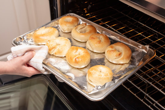 Process of baking homemade bagels in the oven
