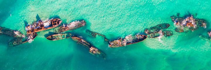 Foto auf AluDibond Reef grun Tangalooma Shipwrecks off Moreton island, Queensland Australia
