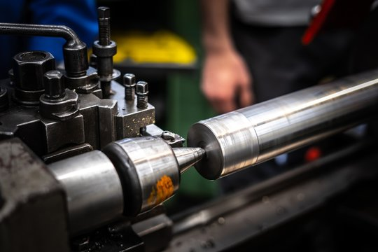 Industrie - Drehbank / Turning machine