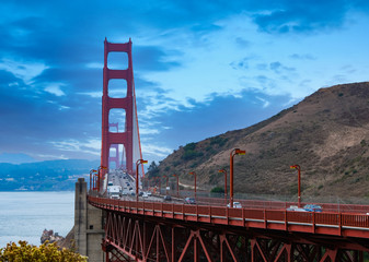 Fototapete - Golden Gate Bridge in Blue Hour