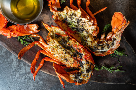 Grilled lobster with butter sauce