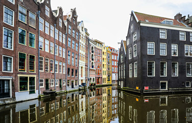 Printed kitchen splashbacks Amsterdam houses in amsterdam lined up along the canal.