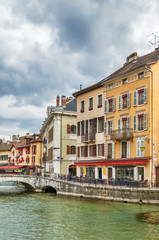 Fototapete - Thiou river in Annecy, France