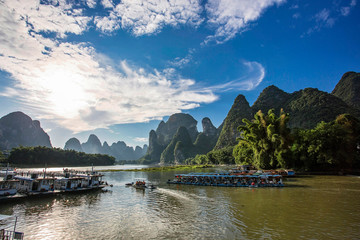 Papiers peints Guilin The landscape at the Li River near Yangshou near the city of Guilin in the Province of Guangxi in china in east asia.