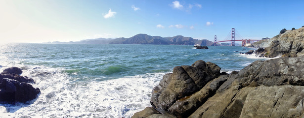 Another picture of the golden gate bridge.