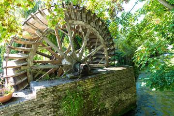 Wassermühle in Veules-Les-Roses, Normandie, Frankreich Fototapete