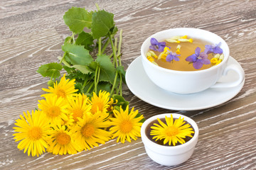 Erkältungstee mit Honig
