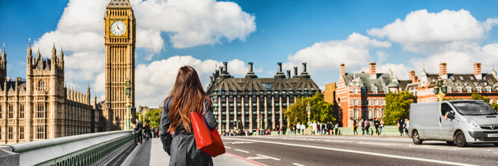 Foto op Aluminium Londen London city commuters walking by Westminster Big Ben people lifestyle. Tourist woman commuting in the morning banner panorama.