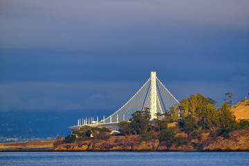 Fototapete - Bay Bridge Rising from Treasure Island in San Francisco Bay