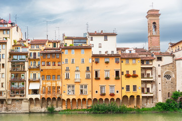 Fotomurales - Arno river and historical buildings in Florence, Italy