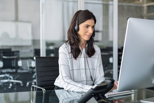 Telephone operator woman working in office