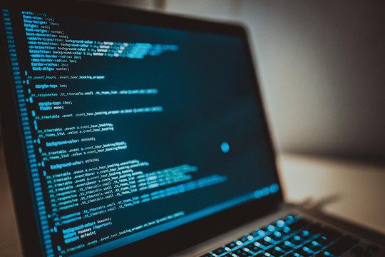 HTML Code auf Computer programmieren