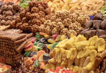 Istanbul shops selling dried fruit in the corn market in Turkey. They sell nuts. Sweet and sweet.