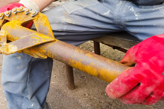 Drill head for water well drilling. Drilling
