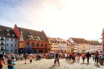 Münsterplatz, Freiburg im Breisgau, Baden-Württemberg, Deutschland  Fotomurales