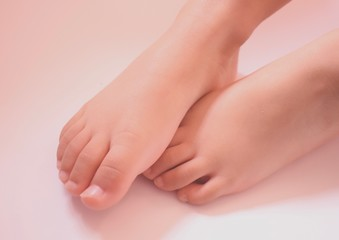 Toddler Toes Wall mural