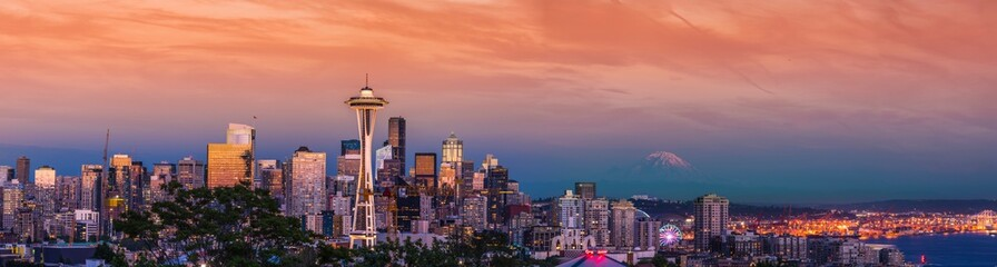 Foto auf AluDibond Koralle Seattle Downtown