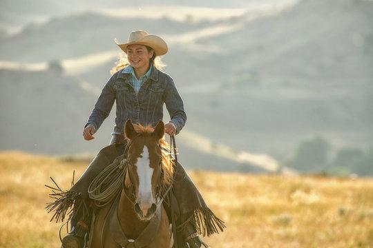 horseback riding in mountains