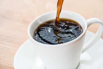 Foto auf Leinwand Kaffee コーヒーを注ぐ