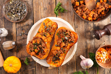 Photo sur Toile Les Textures baked butternut with beef and vegetable