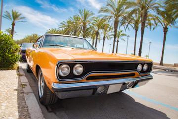 Photo sur Aluminium Vintage voitures Car orange color classic