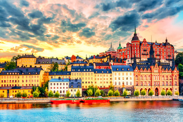 Poster de jardin Stockholm Stockholm, Sweden. Scenic summer sunset view with colorful sky of the Old Town architecture in Sodermalm district.