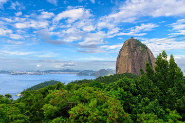 Fototapete - Mountain Sugarloaf and Guanabara bay in Rio de Janeiro, Brazil. Skyline of Rio de Janeiro