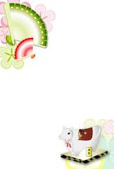 年賀状素材扇子と丑の置物と花柄の年賀状テンプレート