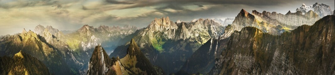 Photo sur Aluminium Alpes Great panorama of Switzerland mountains in autumn