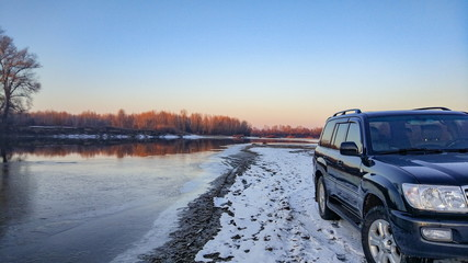 SUV travels in the winter Carpathians