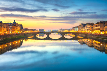 Tuinposter Florence Carraia medieval Bridge on Arno river at sunset. Florence Italy