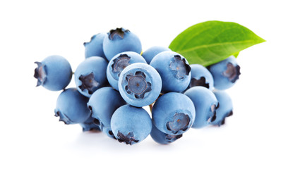 Wall Mural - bunch of fresh blueberries isolated on white background