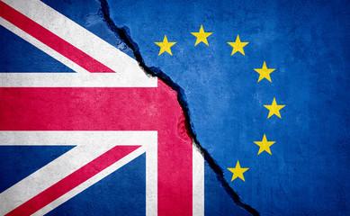 Brexit concept broken wall. Fotomurales