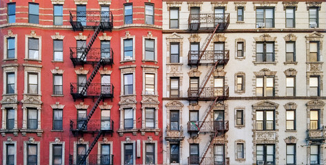 New York City historic apartment building panoramic view with windows and fire escapes Fotobehang