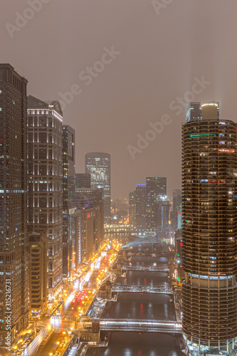 Wall mural Chicago on a Foggy Night - Wacker Drive
