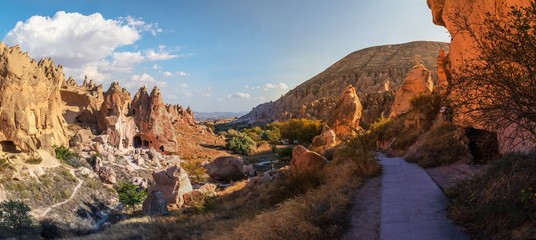 Photo sur Plexiglas Brun profond View of the old village in Cappadocia in Turkey