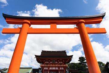 Japan, Kyoto Prefecture, Kyoto City, Red torii gate of Fushimi Inari-taisha shrine