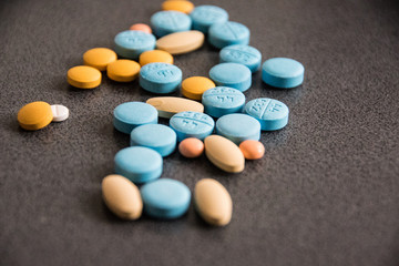 Fototapeta Tabletki kolorowe 3 obraz