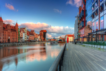 Canvas Prints Ship Beautiful scenery of the old town in Gdansk over Motlawa river at sunrise, Poland.