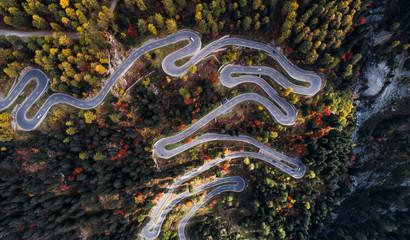 Fotobehang Alpen Maloja pass road