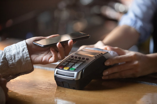 Client paying on terminal using smartphone nfc method
